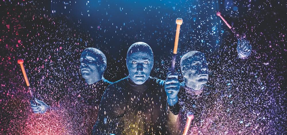 Nākamruden Rīgā fenomenāli populārais 'Blue Man Group' šovs