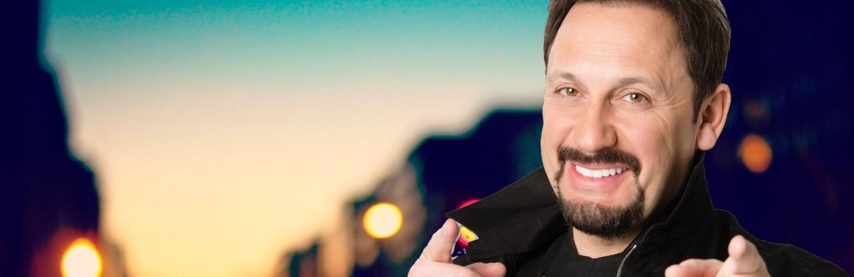 Rīgā ar jubilejas koncertu uzstāsies dziedātājs Stass Mihailovs